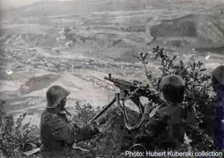 Imagini pentru bătălia pentru Caucaz,photos